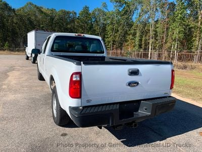 2011 Ford F250HD CREW CAB 4 DOOR LONGBED JUST 35k MILES ONE OWNER 6.2 385HP TRITON GAS HITCH - Click to see full-size photo viewer