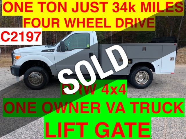 2011 Ford F350HD 4X4 JUST 34k MILES TOMMY GATE SUPER CLEAN ONE OWNER VA TRUCK!! LIFT GATE HITCH