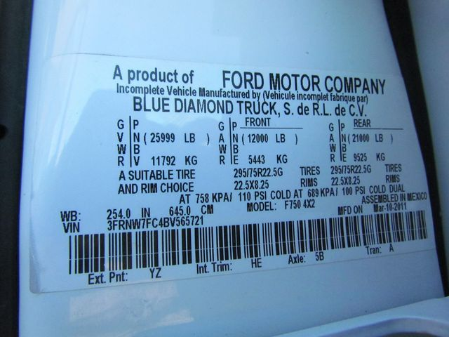 2011 Ford F750 Flatbed - 15174719 - 30