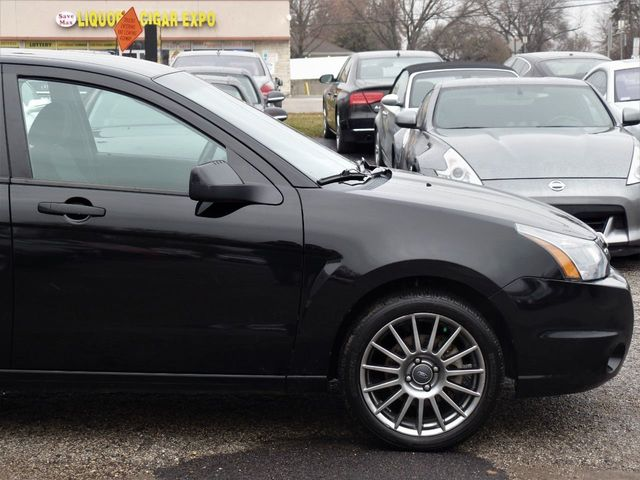 2011 Ford Focus 4dr Sedan SES - Click to see full-size photo viewer