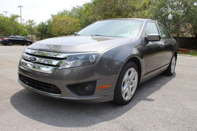 2011 used ford fusion 4dr sedan se fwd at a luxury autos serving miramar fl iid 14807268. Black Bedroom Furniture Sets. Home Design Ideas