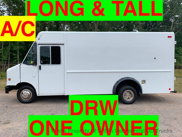 2011 Ford STEP VAN DRW JUST 51k MILES ONE OWNER TALL LONG HITCH RECEIVER