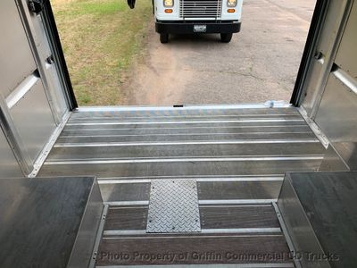 2011 Ford STEP VAN DRW TALL JUST 45k MILES ONE OWNER TALL A/C ROLL UP FEDEX! - Click to see full-size photo viewer