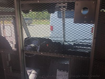 2011 Ford STEP VAN JUST 21k MILES LIFT GATE SRW ONE OWNER!! SUPER CLEAN! COLD A/C - Click to see full-size photo viewer