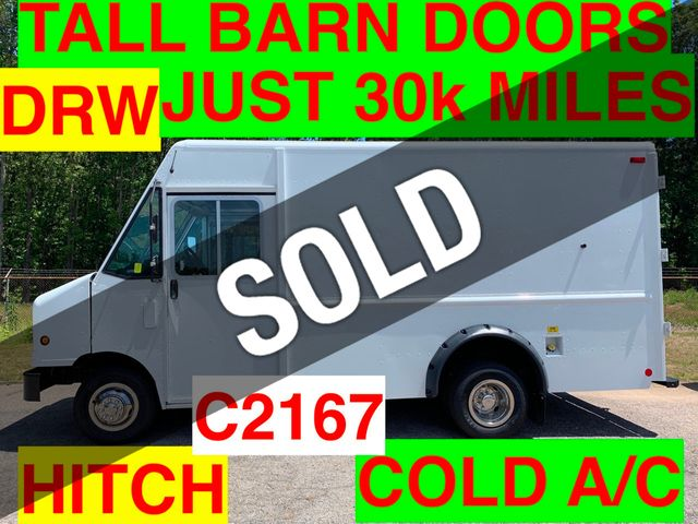 2011 Ford STEP VAN JUST 30k MILES ONE OWNER DRW COLD A/C TALL BODY BARN DOORS HITCH