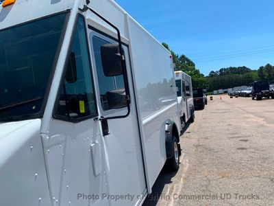 2011 Ford STEP VAN JUST 30k MILES ONE OWNER DRW COLD A/C TALL BODY BARN DOORS HITCH - Click to see full-size photo viewer