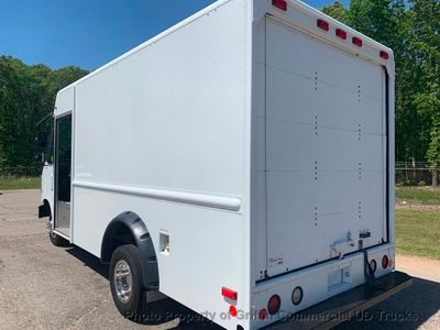 2011 Ford STEP VAN JUST 35k MILES!! ONE OWNER!! DRW ROLLUP HARD TO FIND WITH A/C!! SUPER CLEAN!! - Click to see full-size photo viewer