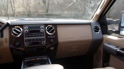 """2011 Ford Super Duty F-250 SRW 4WD Crew Cab 156"""" Lariat - Click to see full-size photo viewer"""