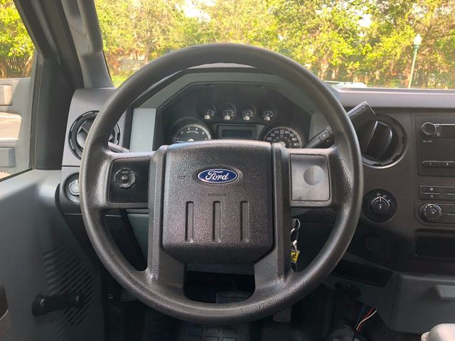 "2011 Ford Super Duty F-250 SRW 4WD Crew Cab 156"" XL - Click to see full-size photo viewer"