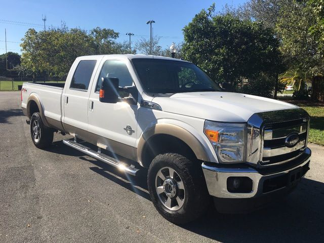 "2011 Ford Super Duty F-350 SRW 4WD Crew Cab 156"" Lariat - Click to see full-size photo viewer"