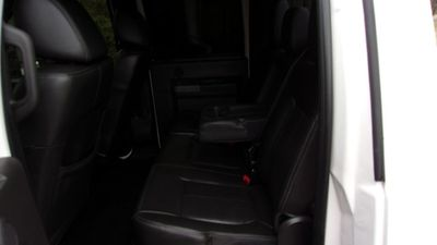 "2011 Ford Super Duty F-450 DRW 4WD Crew Cab 172"" Lariat - Click to see full-size photo viewer"