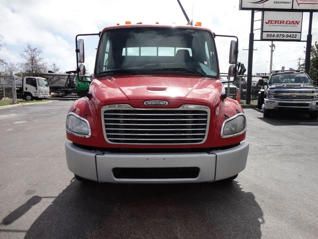 2011 Freightliner BUSINESS CLASS M2 106 AIR BRAKES. AIR SUSPENSION..22FT FLATBED.. - 17335326 - 9