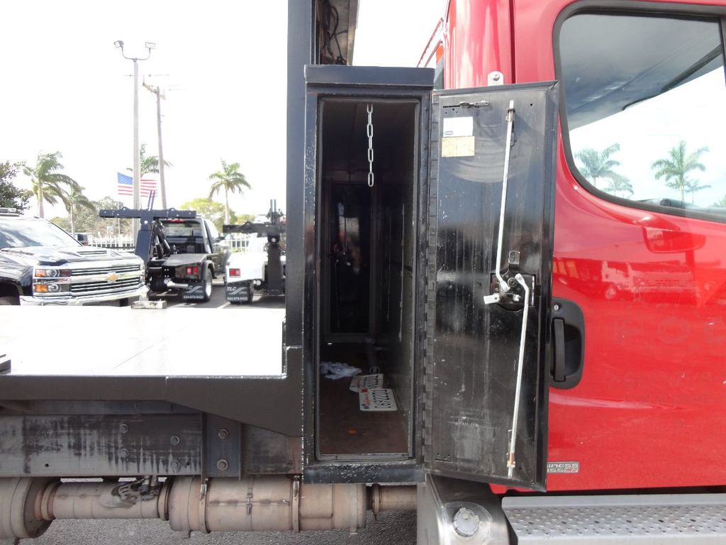 2011 Freightliner BUSINESS CLASS M2 106 AIR BRAKES. AIR SUSPENSION..22FT FLATBED.. - 17335326 - 15