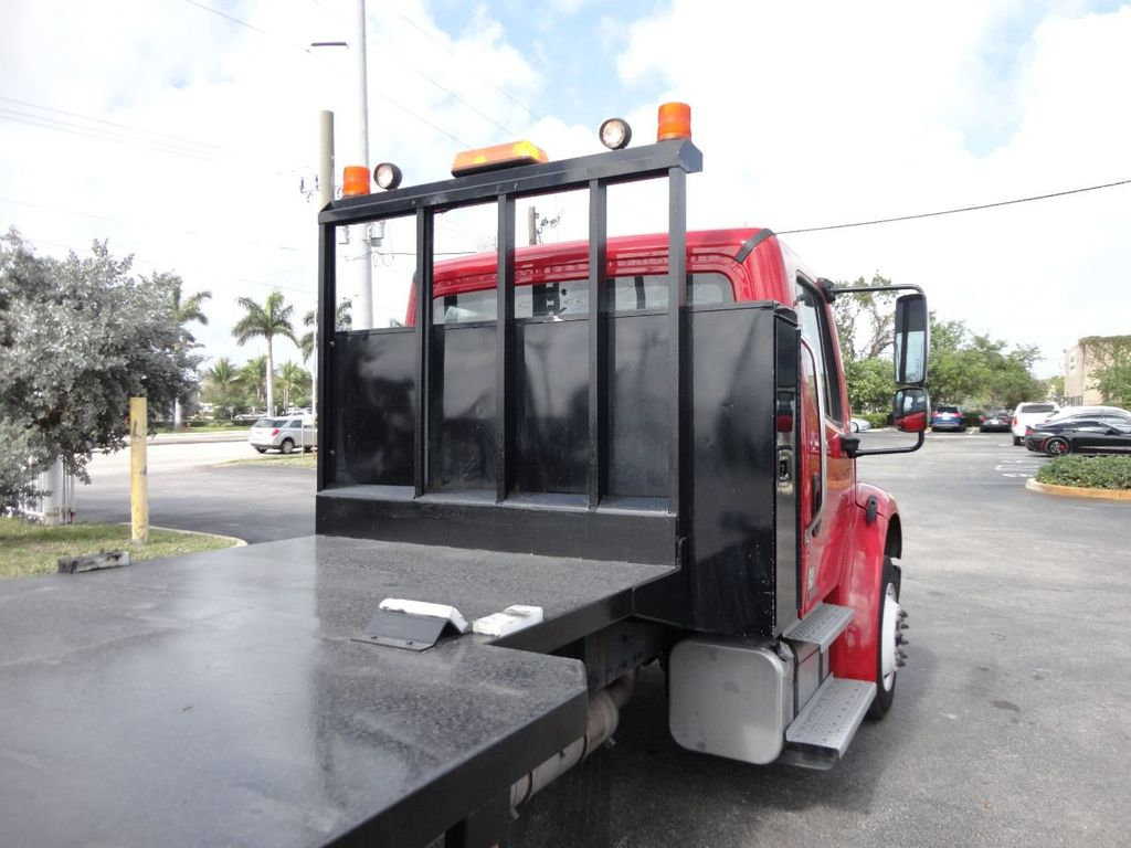 2011 Freightliner BUSINESS CLASS M2 106 AIR BRAKES. AIR SUSPENSION..22FT FLATBED.. - 17335326 - 16