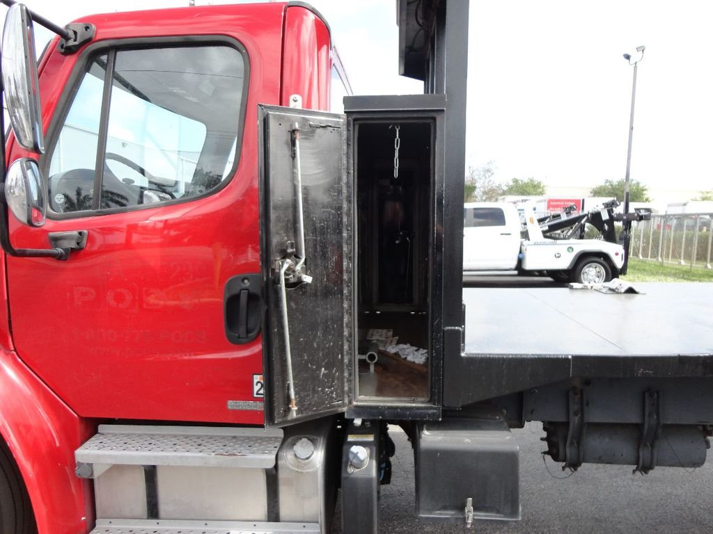 2011 Freightliner BUSINESS CLASS M2 106 AIR BRAKES. AIR SUSPENSION..22FT FLATBED.. - 17335326 - 22