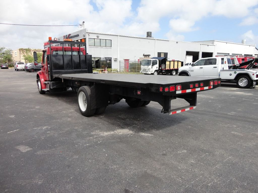 2011 Freightliner BUSINESS CLASS M2 106 AIR BRAKES. AIR SUSPENSION..22FT FLATBED.. - 17335326 - 2