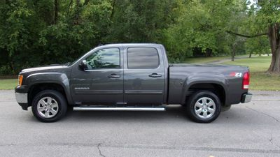"2011 GMC Sierra 1500 4WD Crew Cab 143.5"" SLT - Click to see full-size photo viewer"