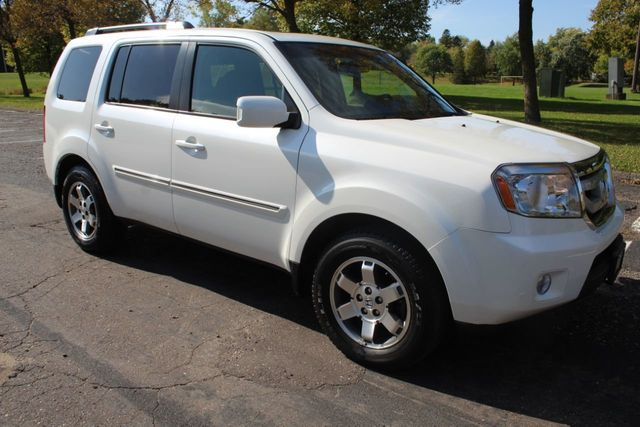 2011 Honda Pilot ONE OWNER AWD TOURING NAVIGATION, LEATHER MOONROOF