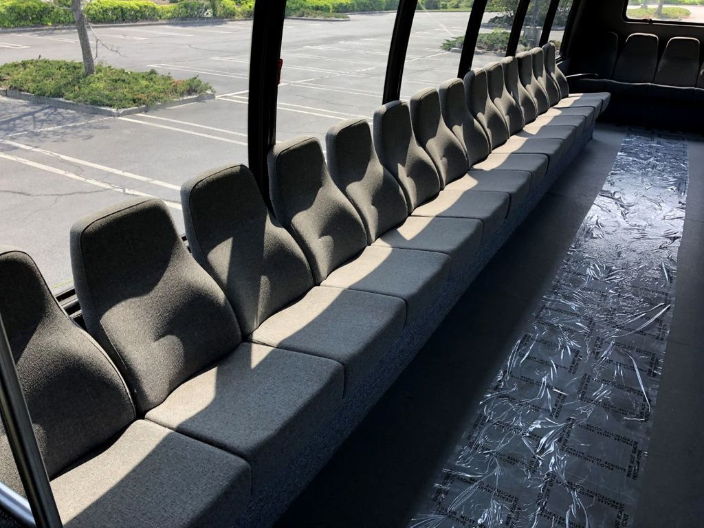 2011 International Krystal 36 Seat Shuttle Bus For Sale For Senior Tour Charters Student Church Hotel Transport - 18853704 - 21