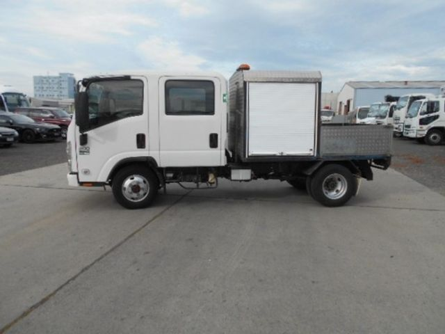 2011 Isuzu NLS 200 ISUZU NLS CREW ALL WHEEL DRIVE 4x2 - 17586277 - 1
