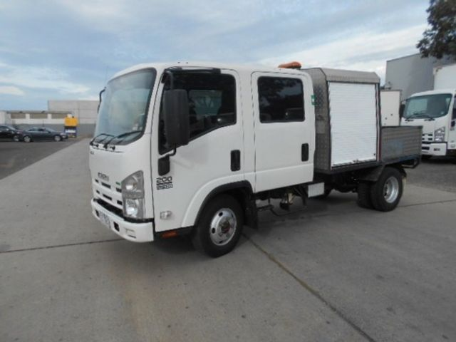 2011 Isuzu NLS 200 ISUZU NLS CREW ALL WHEEL DRIVE 4x2 - 17586277 - 3