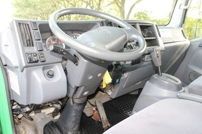 2011 Isuzu NPR  - Click to see full-size photo viewer