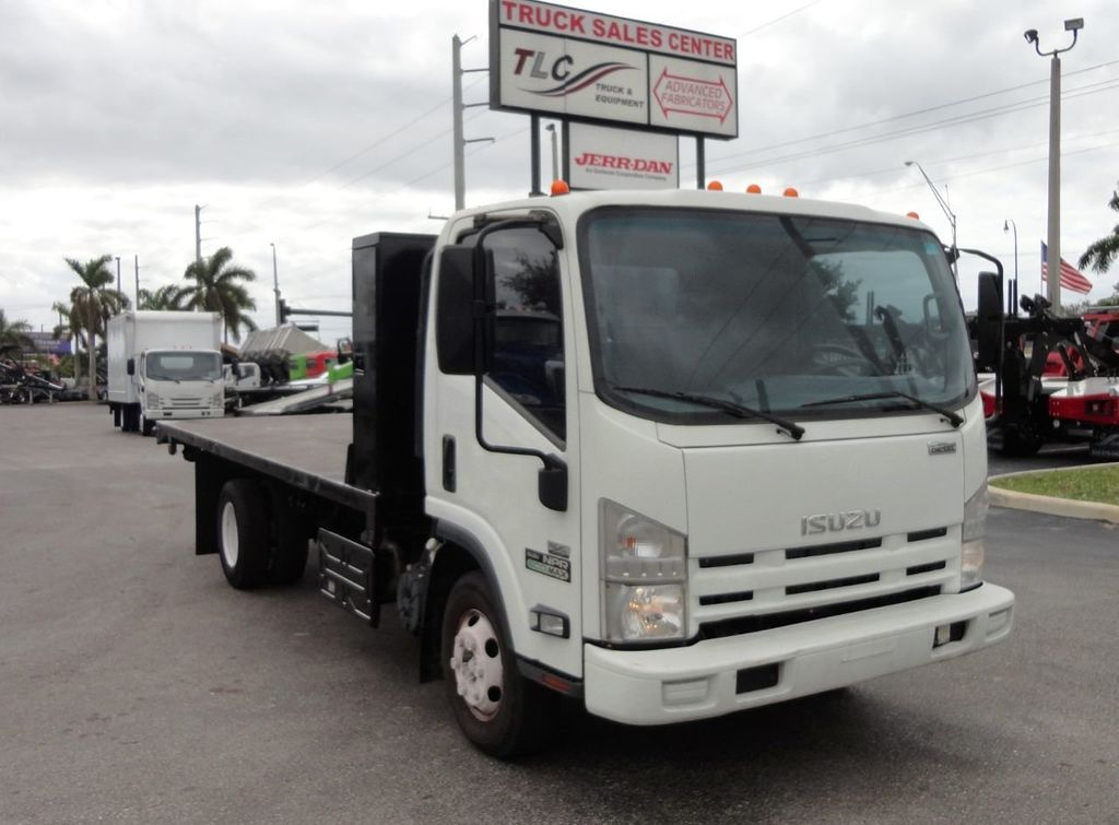 2011 Isuzu NPR 17FT FLATBED - 18450951 - 1