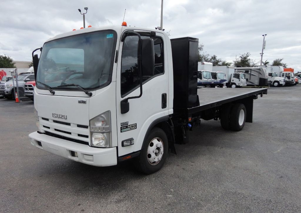 2011 Isuzu NPR 17FT FLATBED - 18450951 - 3