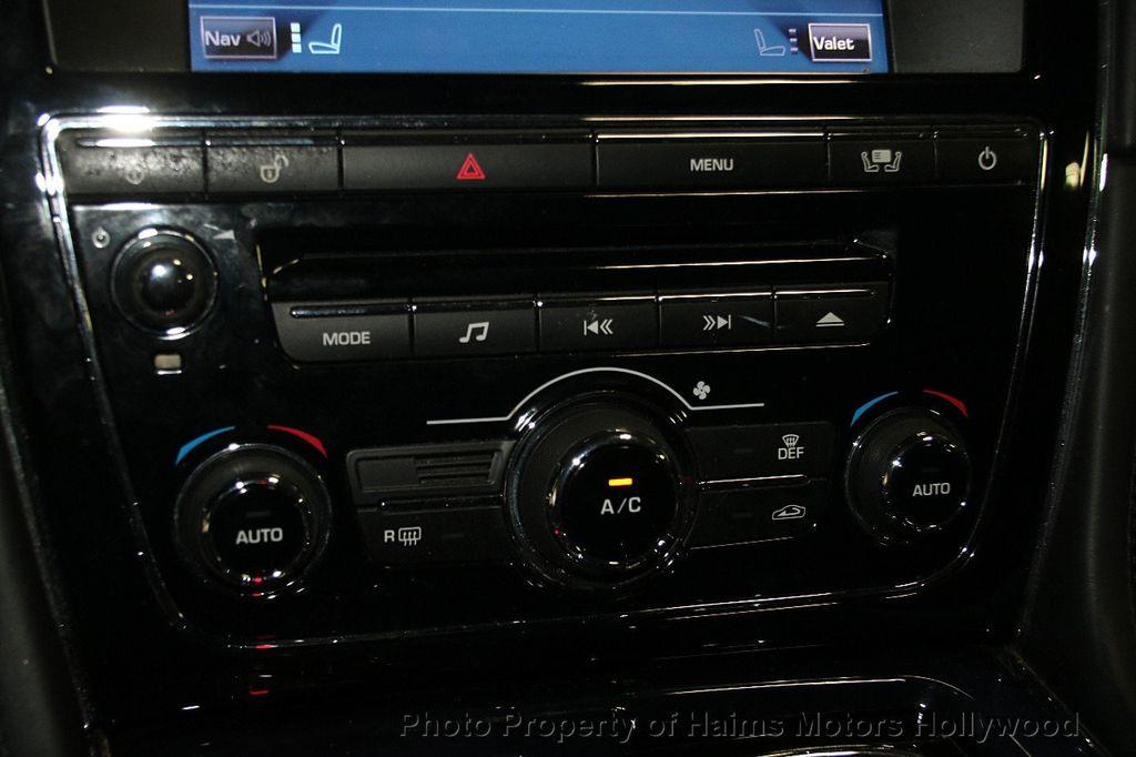 2011 Jaguar XJ 4dr Sedan - 17213006 - 24