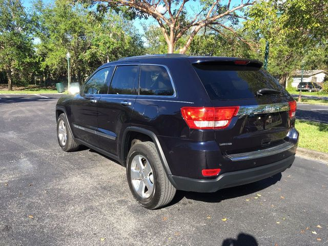 2011 Jeep Grand Cherokee RWD 4dr Limited - Click to see full-size photo viewer