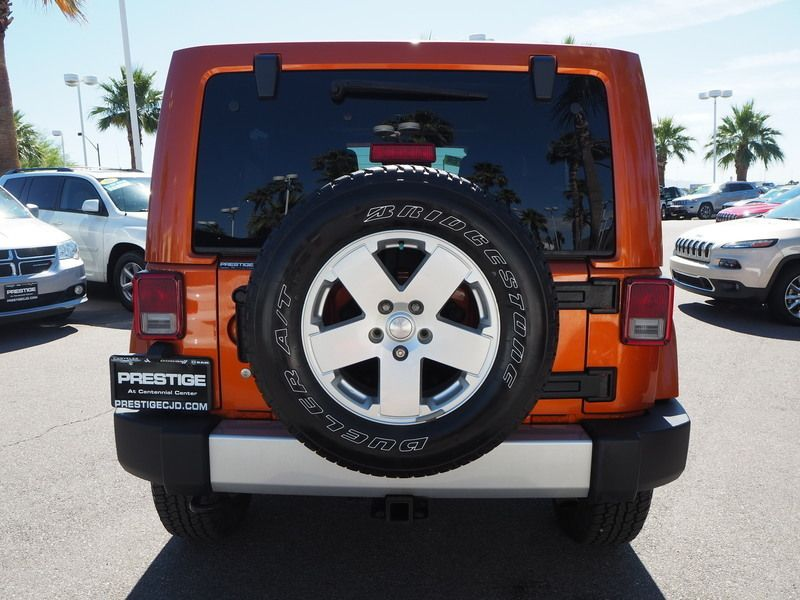 2011 Jeep Wrangler Unlimited 4WD 4dr Sahara - 17714640 - 10