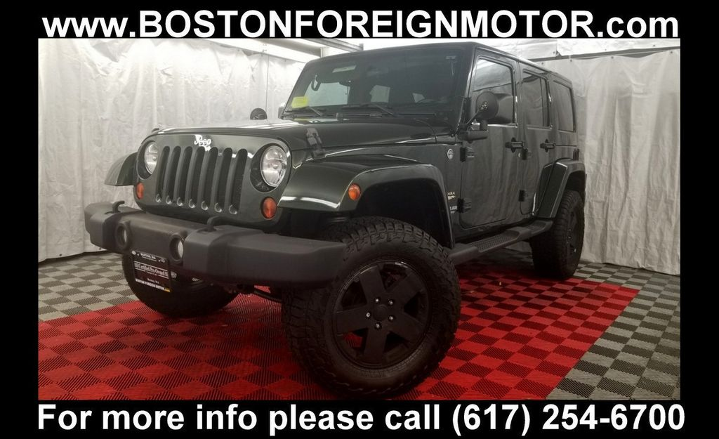 2011 Jeep Wrangler Unlimited 4WD 4dr Sahara - 18052440 - 0
