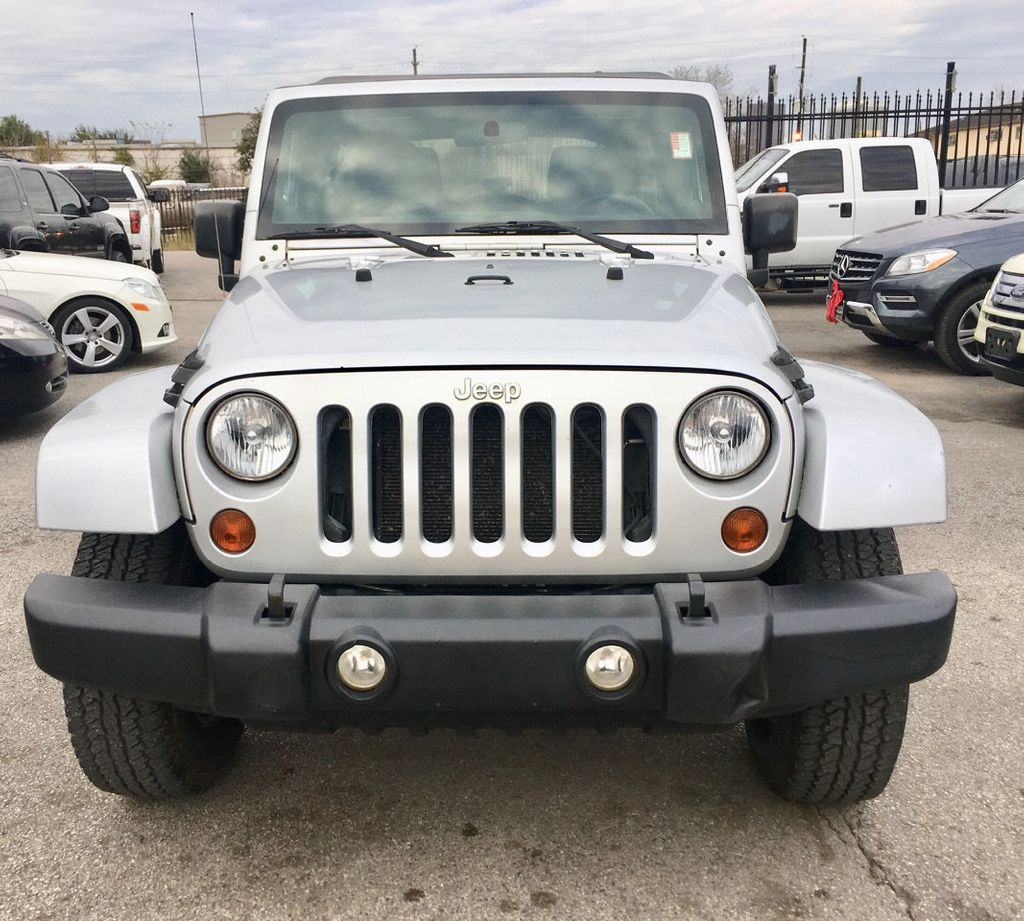2011 Jeep Wrangler Unlimited 4WD 4dr Sport - 18505762 - 0