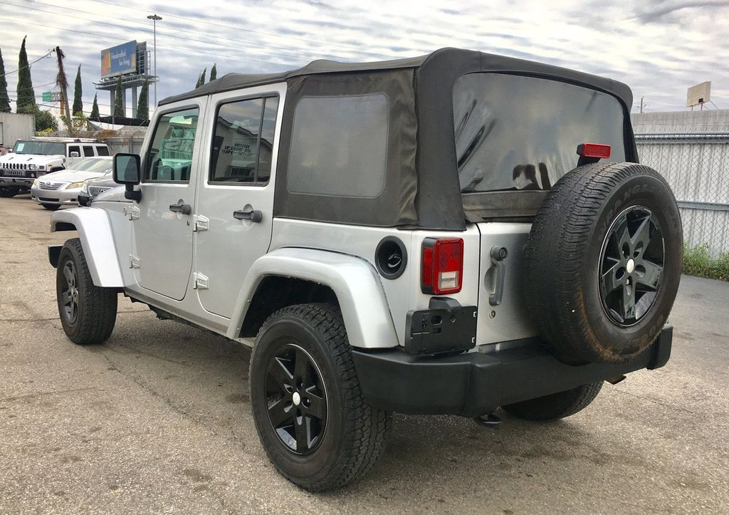 2011 Jeep Wrangler Unlimited 4WD 4dr Sport - 18505762 - 11