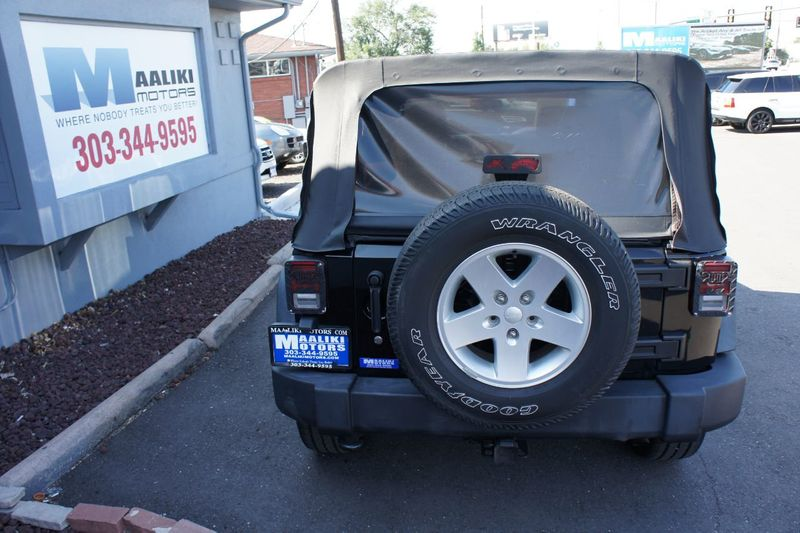 2011 Jeep Wrangler Unlimited 4WD 4dr Sport - 17971184 - 4