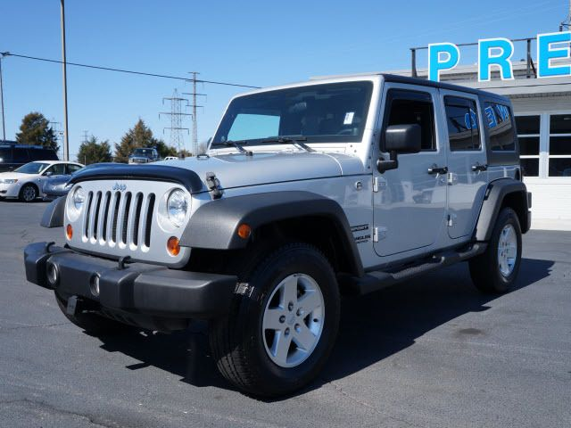 2011 Jeep Wrangler Unlimited 4WD 4dr Sport - 11851672 - 3