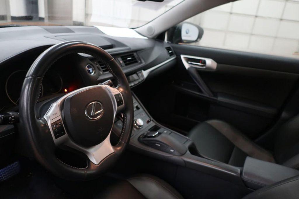 2011 Lexus CT 200h FWD 4dr Hybrid - 17038331 - 23