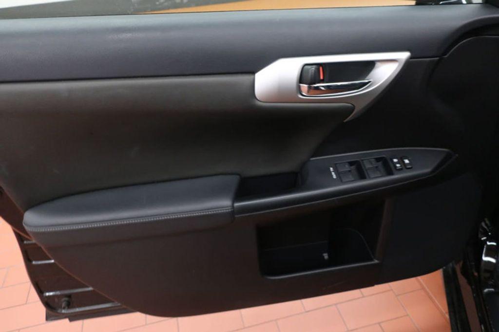 2011 Lexus CT 200h FWD 4dr Hybrid - 17038331 - 7