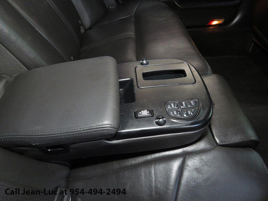 2011 Lincoln Town Car 4dr Sedan Signature L - 16707280 - 10