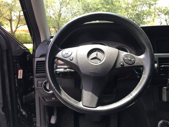 2011 Mercedes-Benz GLK  - Click to see full-size photo viewer