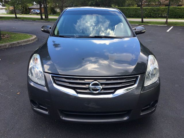 2011 Nissan Altima 4dr Sedan I4 CVT 2.5 SL - Click to see full-size photo viewer