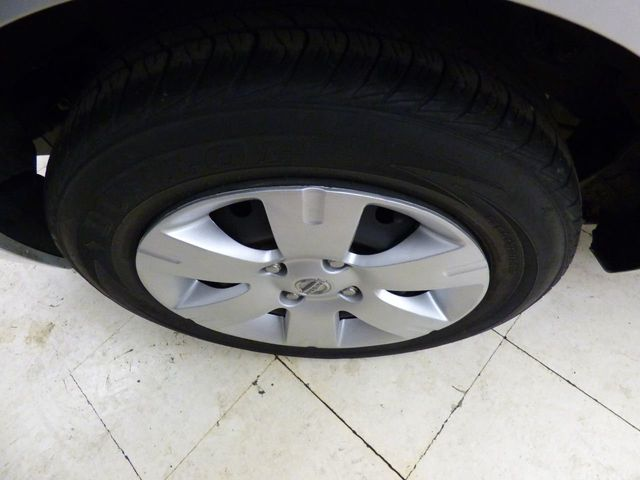 2011 Nissan Sentra FULLY SERVICED NEW CLUTCH NEW DUAL MASS FLYWHEEL FRONT BRAKES RE - Click to see full-size photo viewer