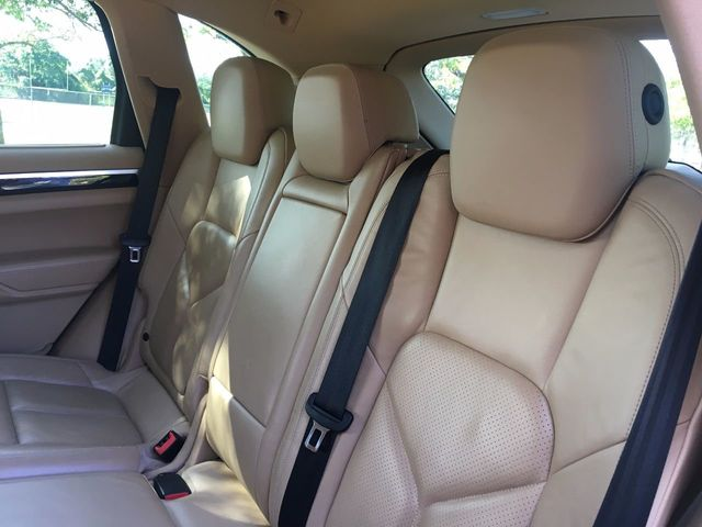 2011 Porsche Cayenne AWD 4dr Tiptronic - Click to see full-size photo viewer