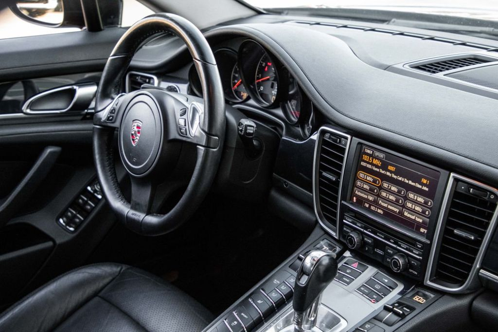 2011 Porsche Panamera  - 18547130 - 17