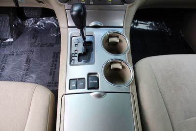 2011 Toyota Highlander 4WD 4dr V6 - Click to see full-size photo viewer