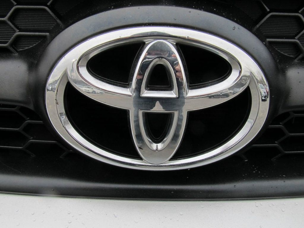 2011 Toyota RAV4 FWD 4dr 4-cyl 4-Speed Automatic - 18496041 - 25