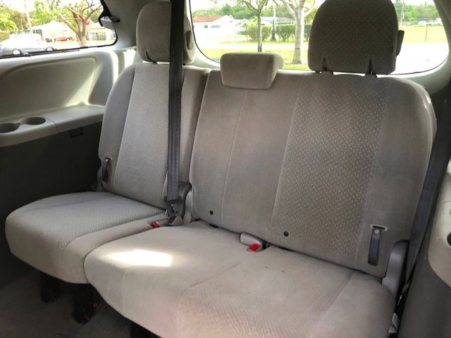 2011 Toyota Sienna 5dr 7-Passenger Van V6 LE AAS FWD - Click to see full-size photo viewer