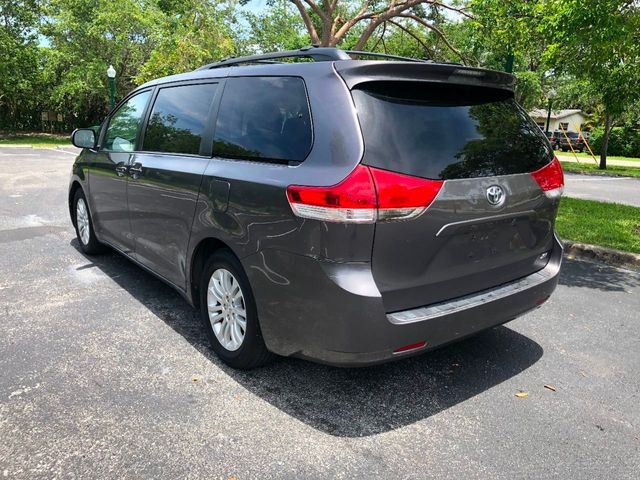 2011 Toyota Sienna 5dr 7-Passenger Van V6 XLE AAS FWD - Click to see full-size photo viewer
