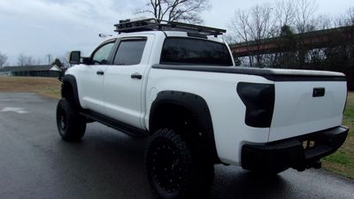 2011 Toyota Tundra CREWMAX 5.7L V8 4X4  - Click to see full-size photo viewer