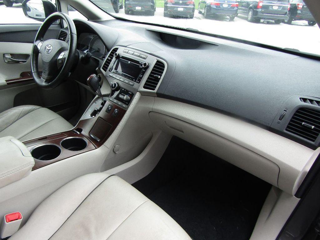 2011 Toyota Venza 4dr Wagon V6 FWD - 17796689 - 10
